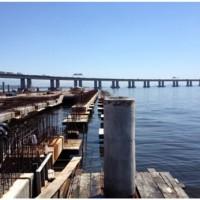 Desalinhamento de estacas na Baía de Guanabara